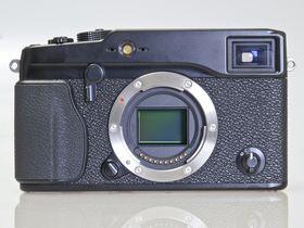 Fuji X Pro1 beats full-frame sensors