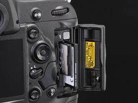 Nikon D4 first camera to use XQD memory format