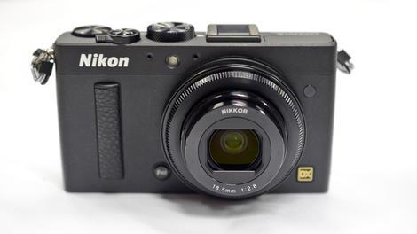 Nikon reveals premium compact with DSLR sensor