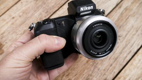 Hands-on review: Nikon 1 V2