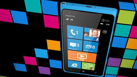 Nokia Lumia 900 now half-price following Windows Phone 8 snub