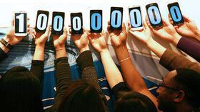 Samsung Galaxy S range zips past 100 million sales