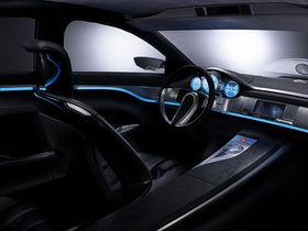 Jaguar concept uses Alpine dual-view display