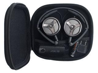 Aww Asus NC1 headphones kind of look like Wall E here