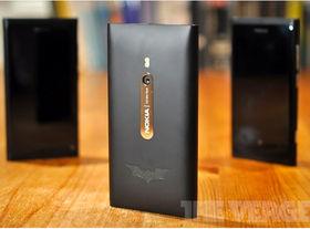 Nokia outs Lumia 800 Dark Knight Rises edition