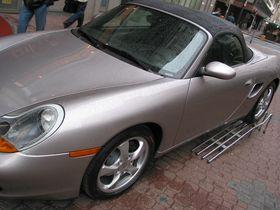 Porsche Designs launches P'9522 mobile