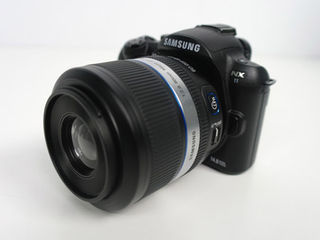 Samsung 60mm macro lens