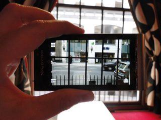 Sony Ericsson less phones more cash