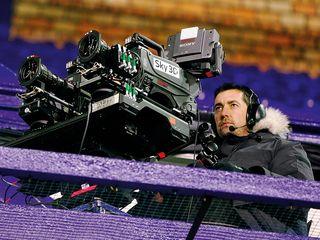 Sky filming sport in 3D
